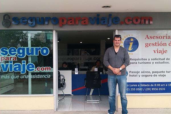William Encalada CEO of seguroparaviaje.com